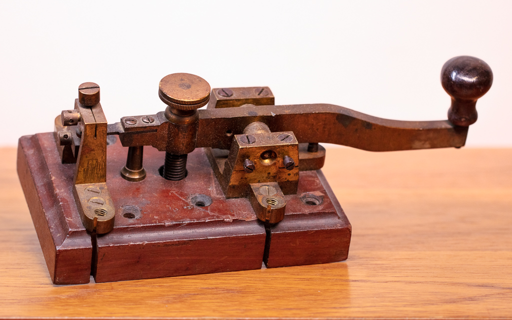 Enquiring about Danish Vintage Morse key