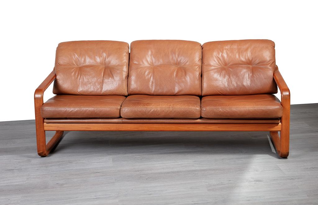 Picture of: Danish Leather 3 Seater Teak Sofa 20th Century Scandinavia