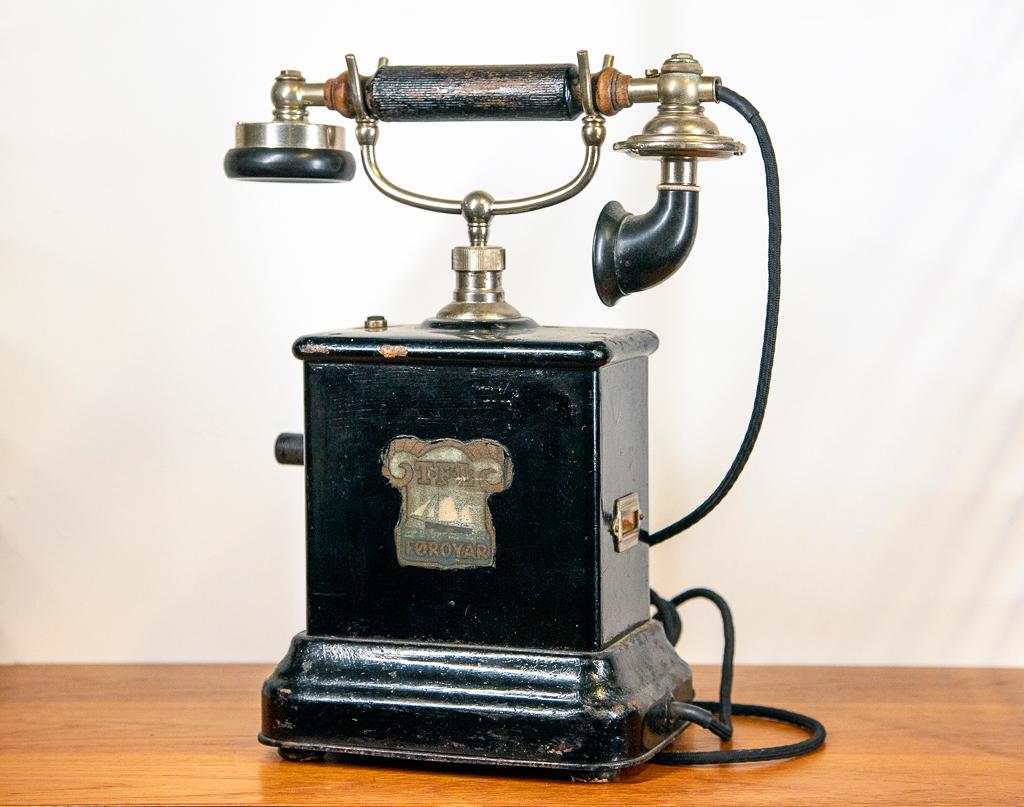 Enquiring about Vintage Danish Telephone