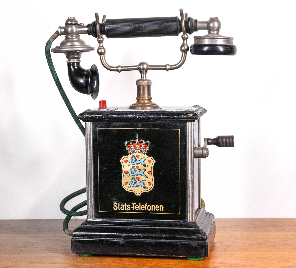 Enquiring about Danish Vintage State Telephone