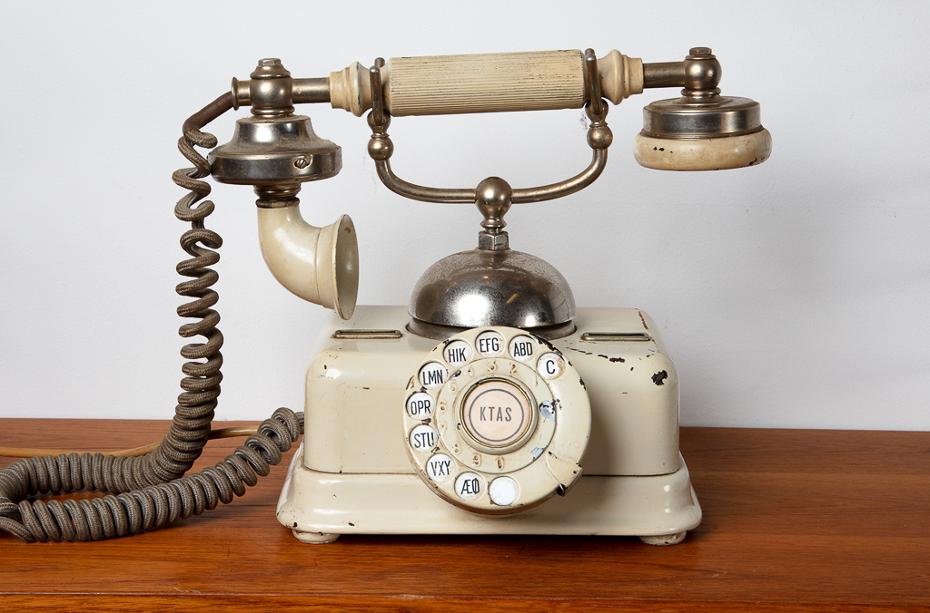 Enquiring about Danish Vintage Telephone
