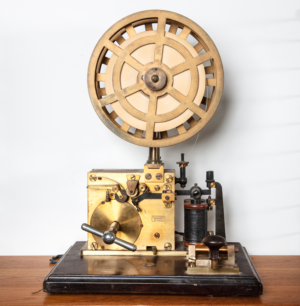 Enquiring about Danish Late 19th Century Morse Terminal