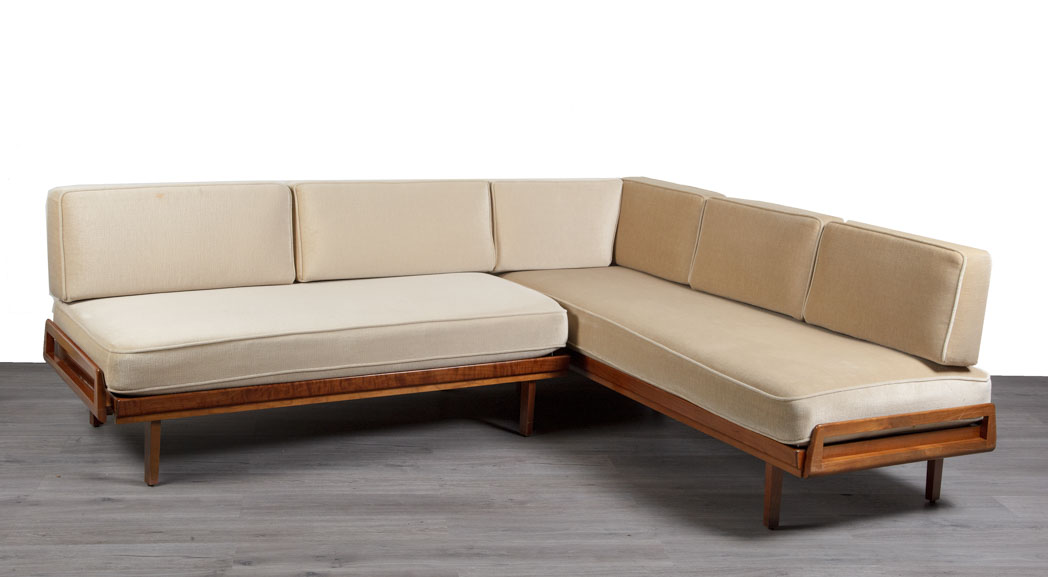 Enquiring about German 1950's Corner Sofa/Daybed by Wilhelm Knoll